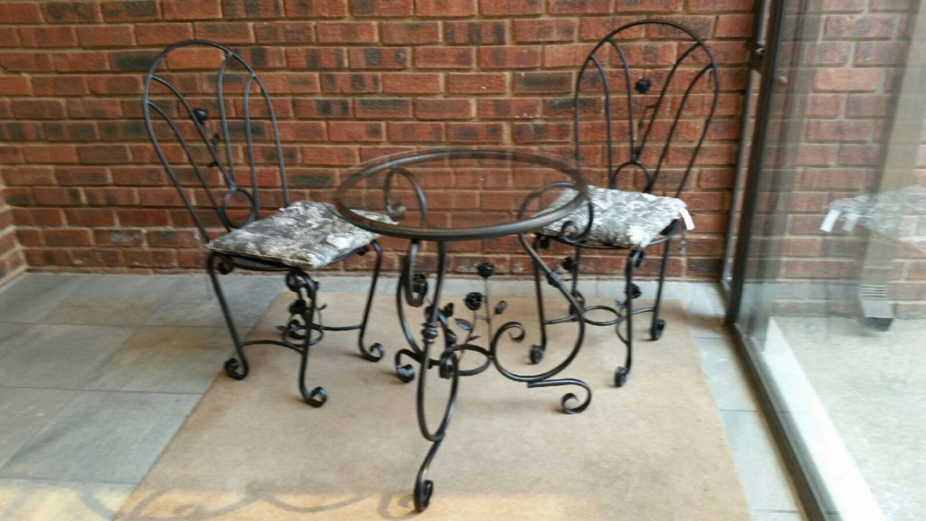 Wrought iron table and chair made by EXCLUSIVIO