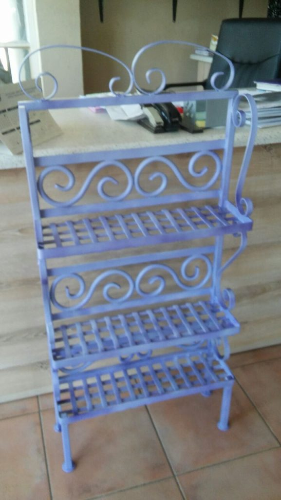 exclusivio-wrought-iron-designs-created-this-purple-and-white-kitchen-jam-jar-rack-out-of-wrought-iron