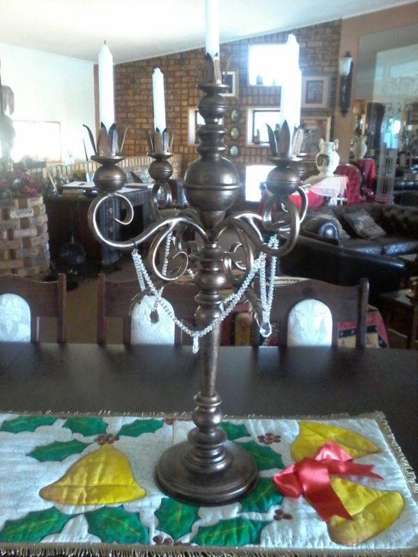 exclusivio-wrought-iron-designs-made-steel-candle-holder-with-crystal-beads